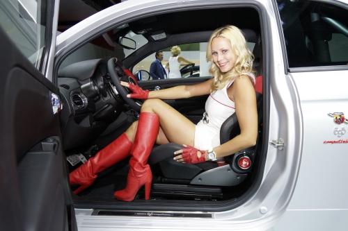 volvo,concept,you,salon,berline,coupé,hybride,francfort,2011,suedoise,fille,girls,mannequins,prototype