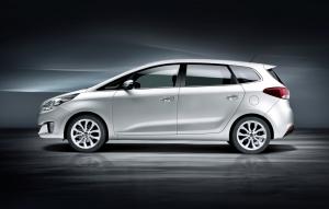 monovolume,compact,Kia,Carens,Toyota,Verso,2013,salon,paris,mondial,diesel,essence,familiale