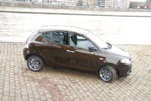 Lancia,Ypsilon,1.3,Mjet,diesel,1250cc,turbo,90 ch,15.590 euros,urbaine,citadine,5 portes