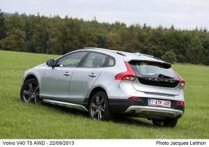 Volvo,V40,Cross Country,T5,essence,turbo,essai,test,road,photos,SUV,MPV,suedoise,belge,gand,new,