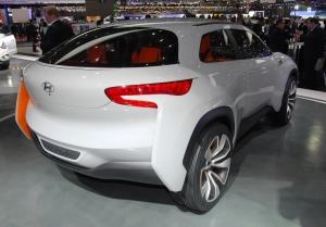 Hyundai,salon,Genève,Intrado,concept,SUV,hydrogène,propulsion,2014,genève,salon,Genesis,girls,filles,hôtesses