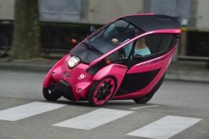 Toyota,COMS,i-Road,stations,électriques,hybirdes,rechargeables,partage,ville,Grenoble