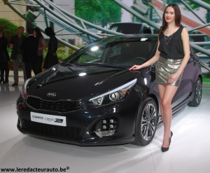 kia,sportspace,concept,break,shootingbrake,sw,futur,dessins,style,coréen,salon,hôtesses,girls,charme,genève,2015