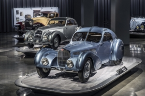voiture,automobile,musée,exposition,los angeles,petersen,automotive,bugatti,mercreds,bmw,jaguar,ford,chevrolet,cinéma,futur,hydrigène,mirai,bijou,photos,galerie,inédite,unique
