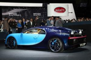 Bugatti,Chiron,salon,Genève,2016,présentation,nouveauté,new,supercar,W16,8.0,quadriturbo,1500,ch,1600,Nm,420,km/h,2,4,millions,euros