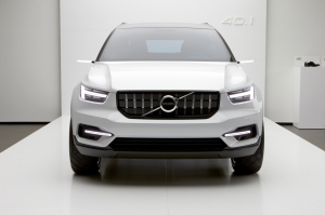 Volvo,SUV,compact,modeste,XC40,suédois,chinois,4x4,1.5,turbo,3,cylindres,hybride