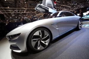 salon,Genève,GIMS,2018,coupé,pininfarina,italie,H²,speed,HK,GT,Hybrid,kinetic,group,coree,concept,électrique,