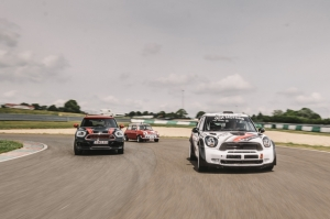 MINI,fan,fan day,track day,circuit,piste,tours,mettet,rencontre,meeting,colsoul,rallye-raid,famille,journée