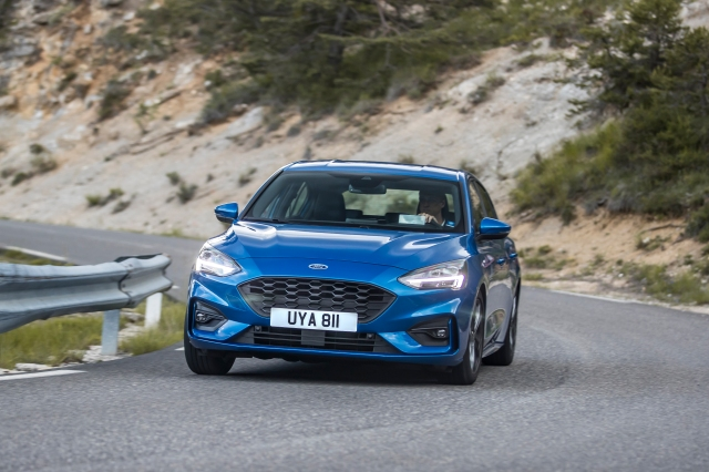 2018_FORD_FOCUS_DRIVE_ST-LINE__24