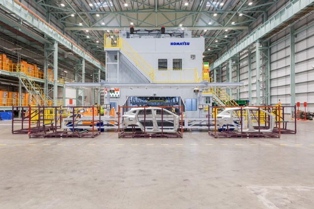New extra large press starts production at Nissan Sunderland