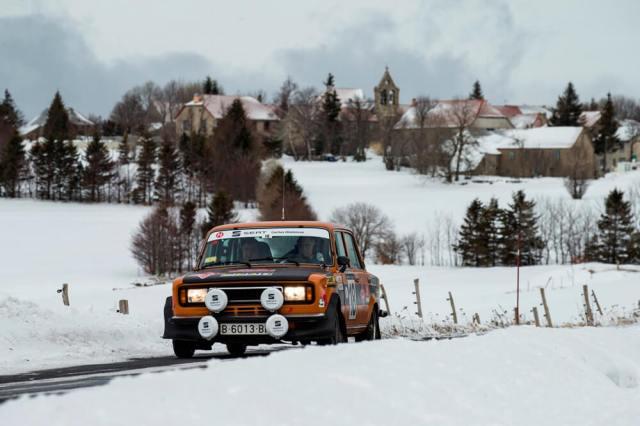 SEAT-124-Especial-1800-Gr4-1