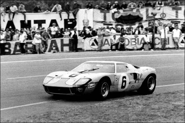 the-ford-gt-40-of-697b-diaporama
