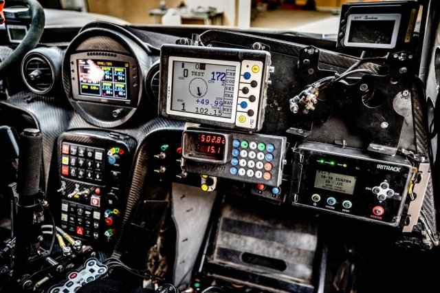 dakar-rally-car-controls