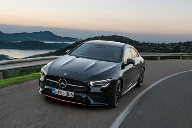 Das neue Mercedes-Benz CLA Coupé: So schön kann automobile Intelligenz sein The new Mercedes-Benz CLA Coupé: Automotive intelligence can be this beautiful