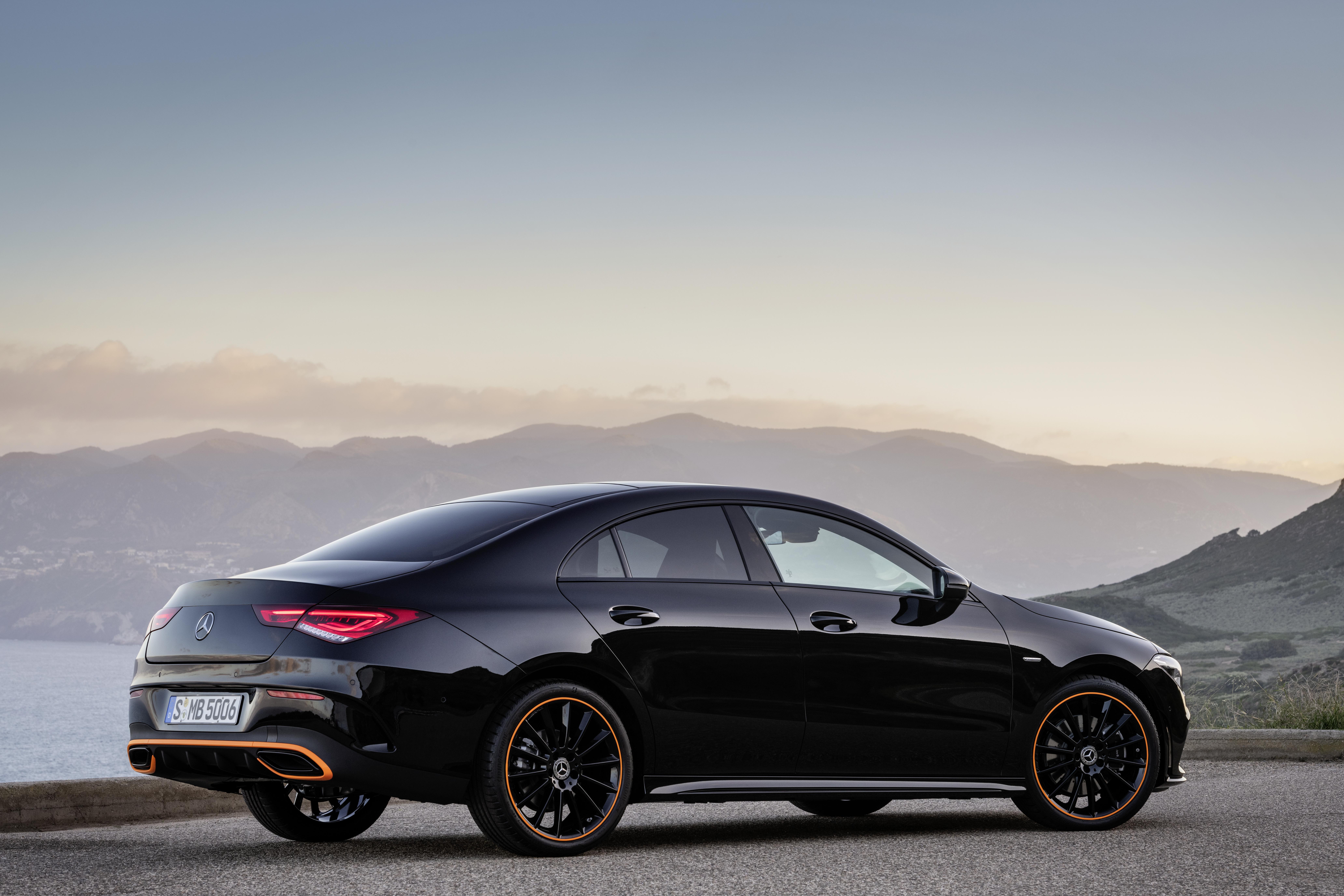Das neue Mercedes-Benz CLA Coupé: So schön kann automobile Intelligenz sein The new Mercedes-Benz CLA Coupé: Automotive intelligence can be this beautiful