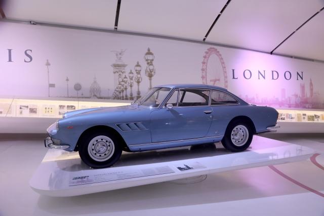 200030-musei-mef-ferrari-grand-tour-Ferrari_330_GT_2-2_1964