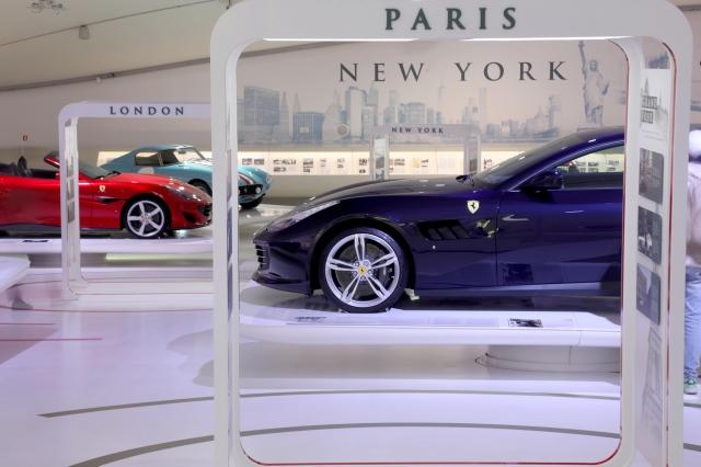 200032-musei-mef-ferrari-grand-tour-Ferrari_GTC4Lusso