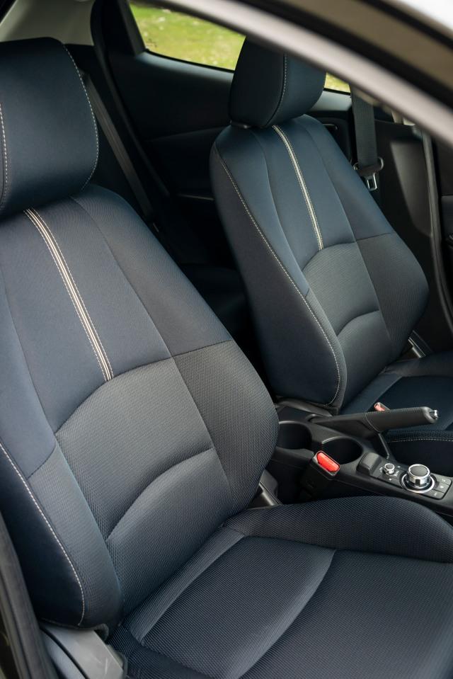 2020 Mazda2_Interior_14