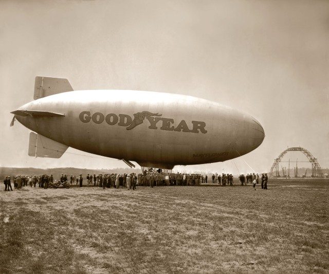 goodyear-blimp-mayflowers-maiden-flight-in-1929