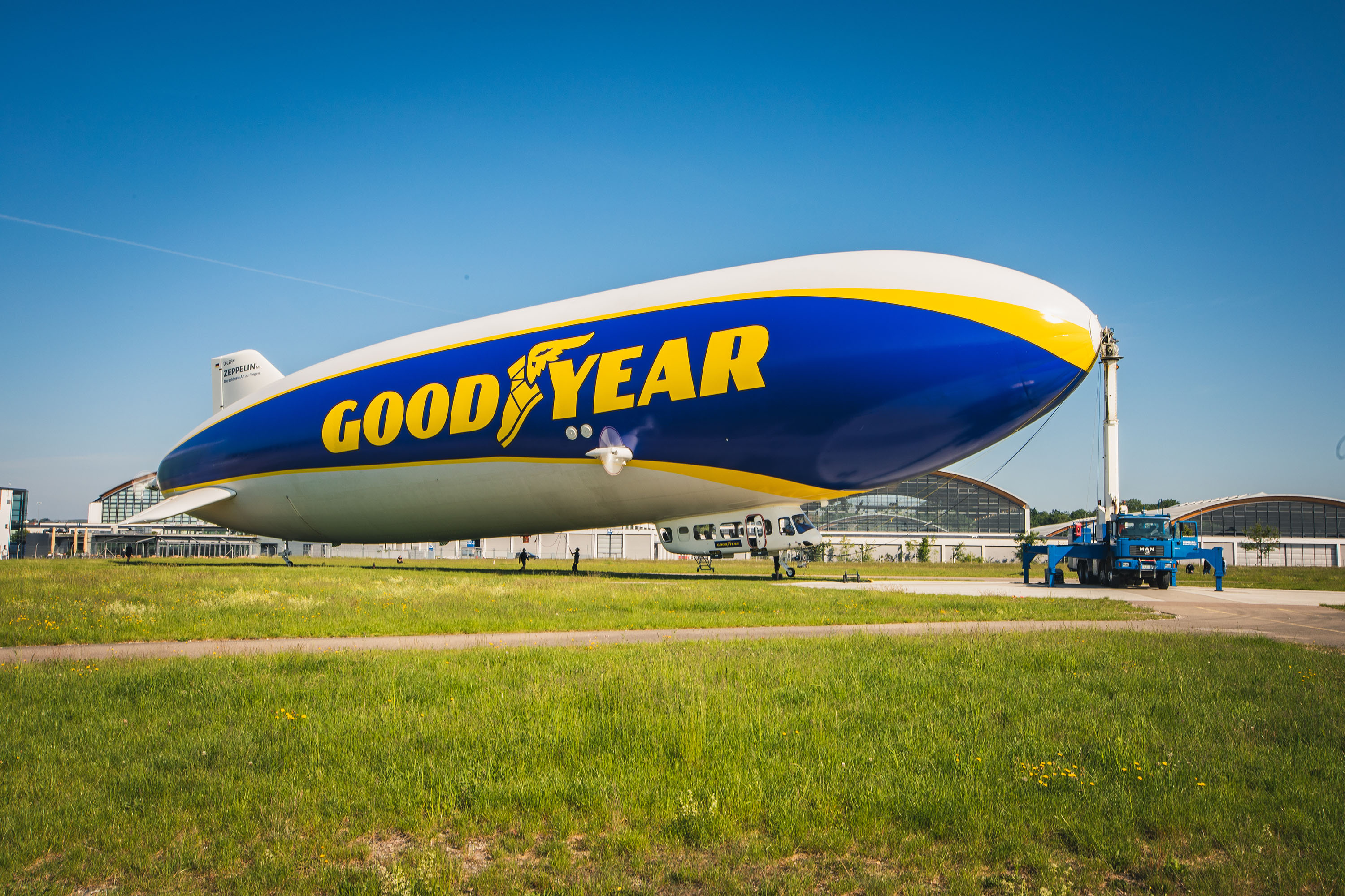 goodyear-blimp-test-flight-germany-04