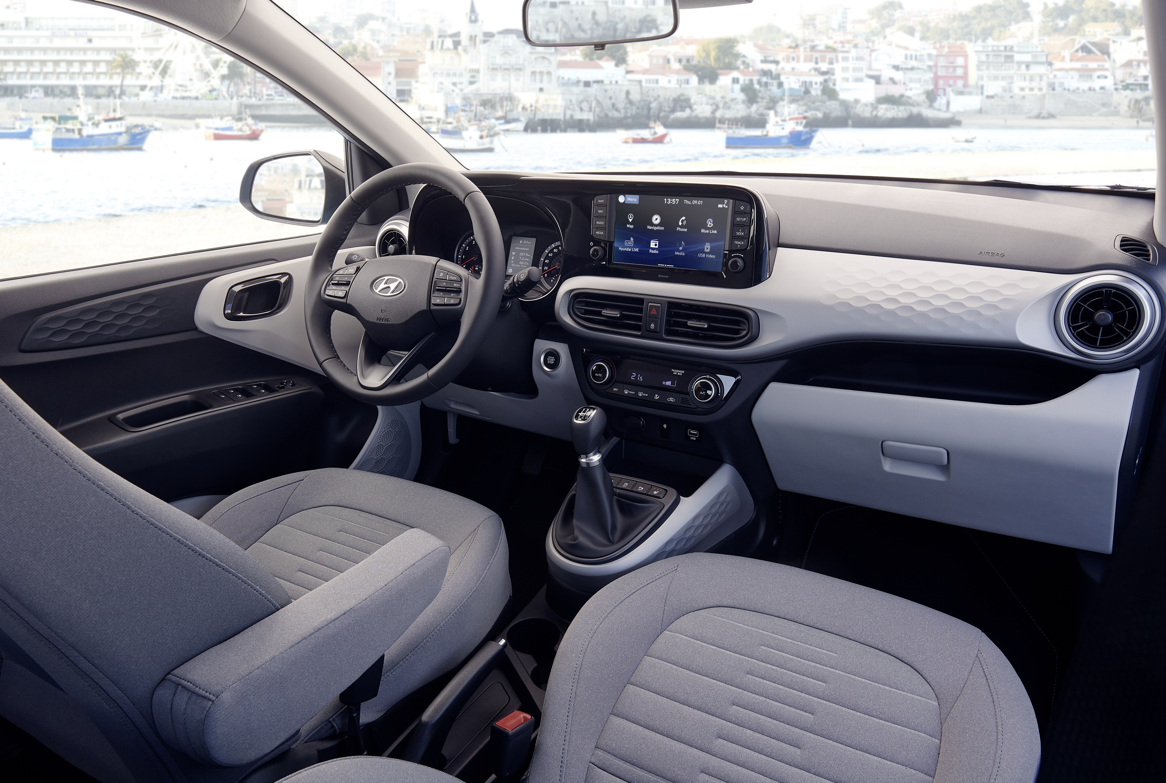 Hyundai i10 interior (1)