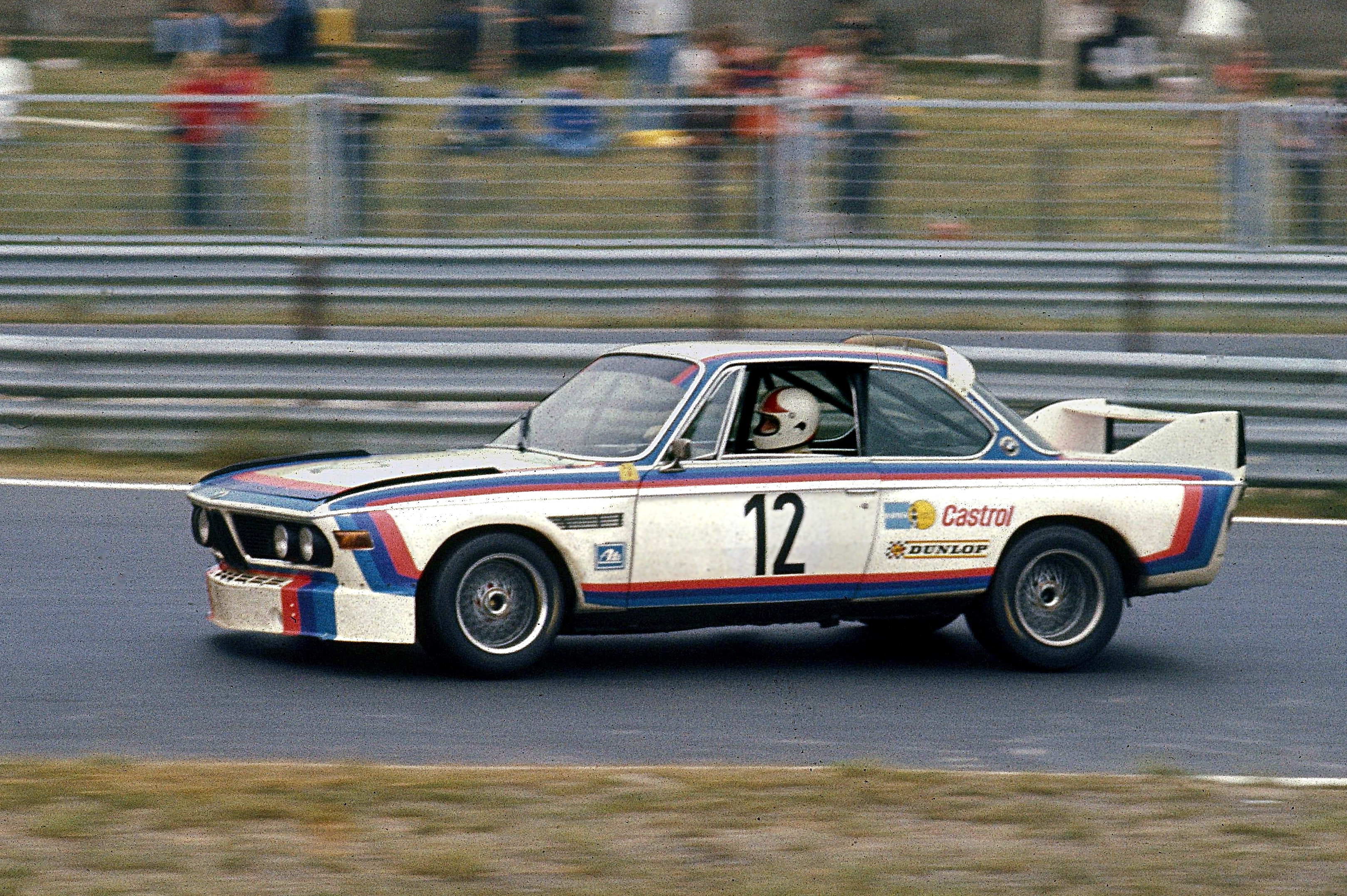 800px-Amon,_Chris_-_BMW_3,5_CSL_(1973-07-08_Sp)