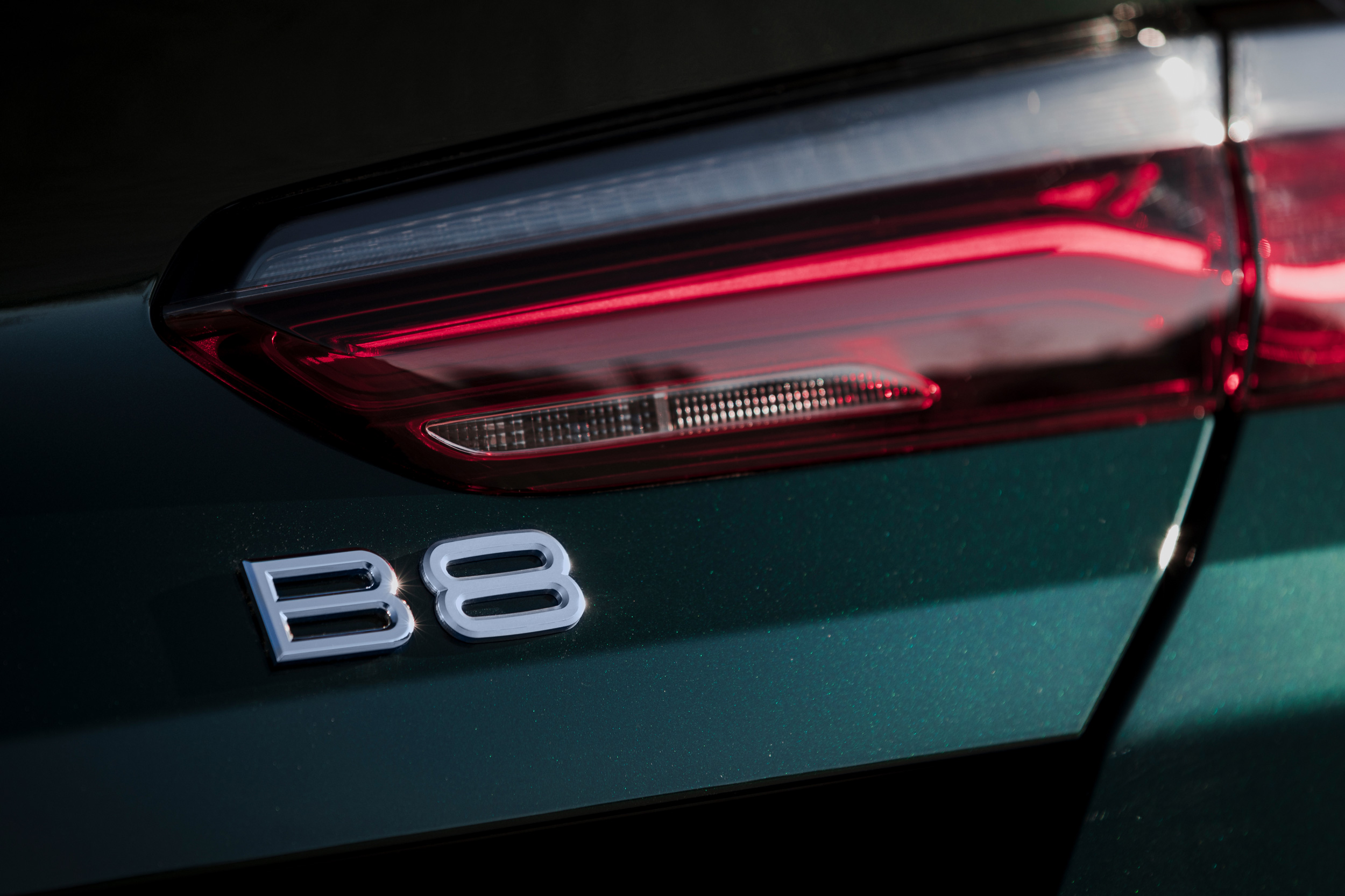 BMW_ALPINA_B8_G16_RGB_16