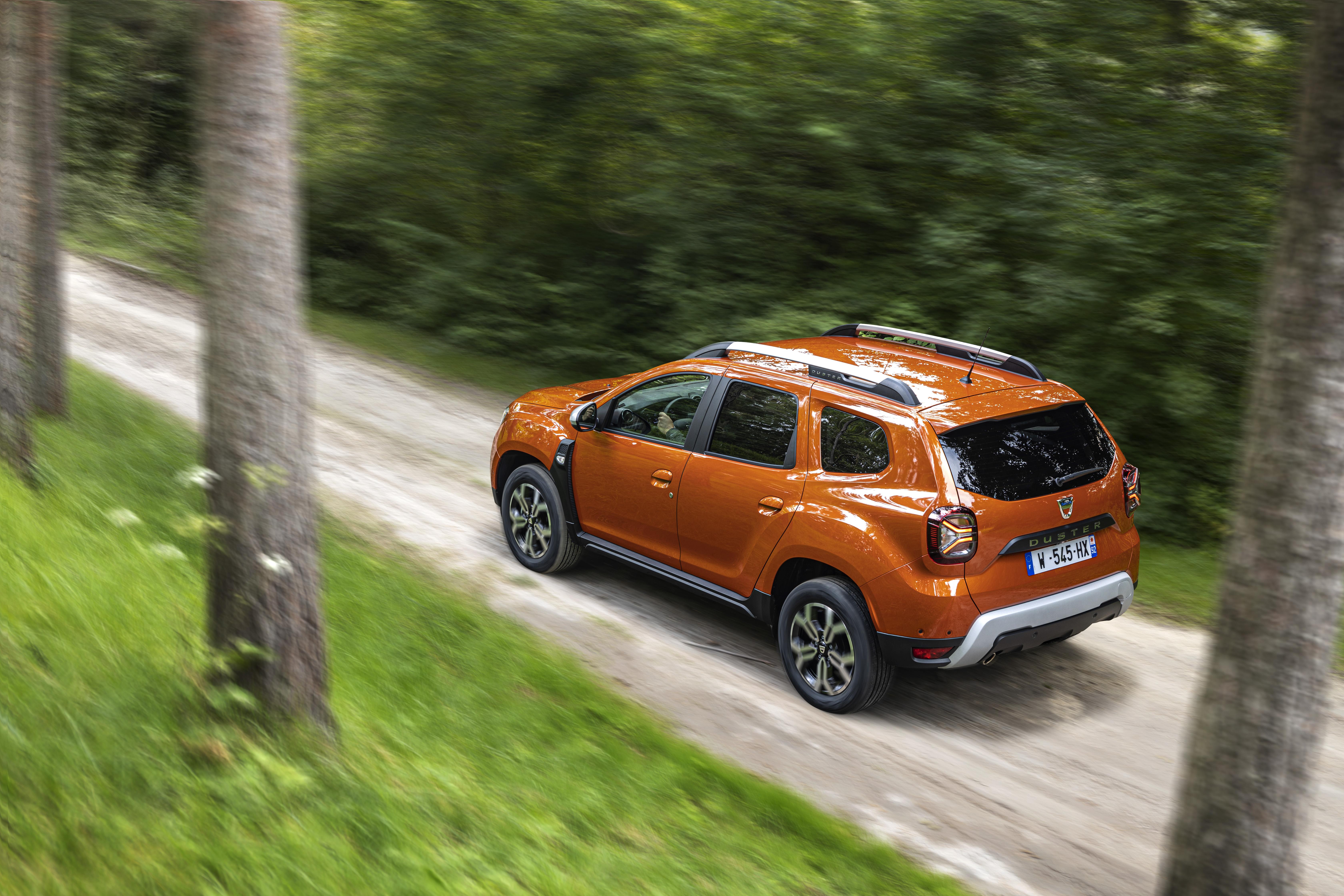 2021 - New Dacia Duster 4X2 - Arizona Orange tests drive (1)