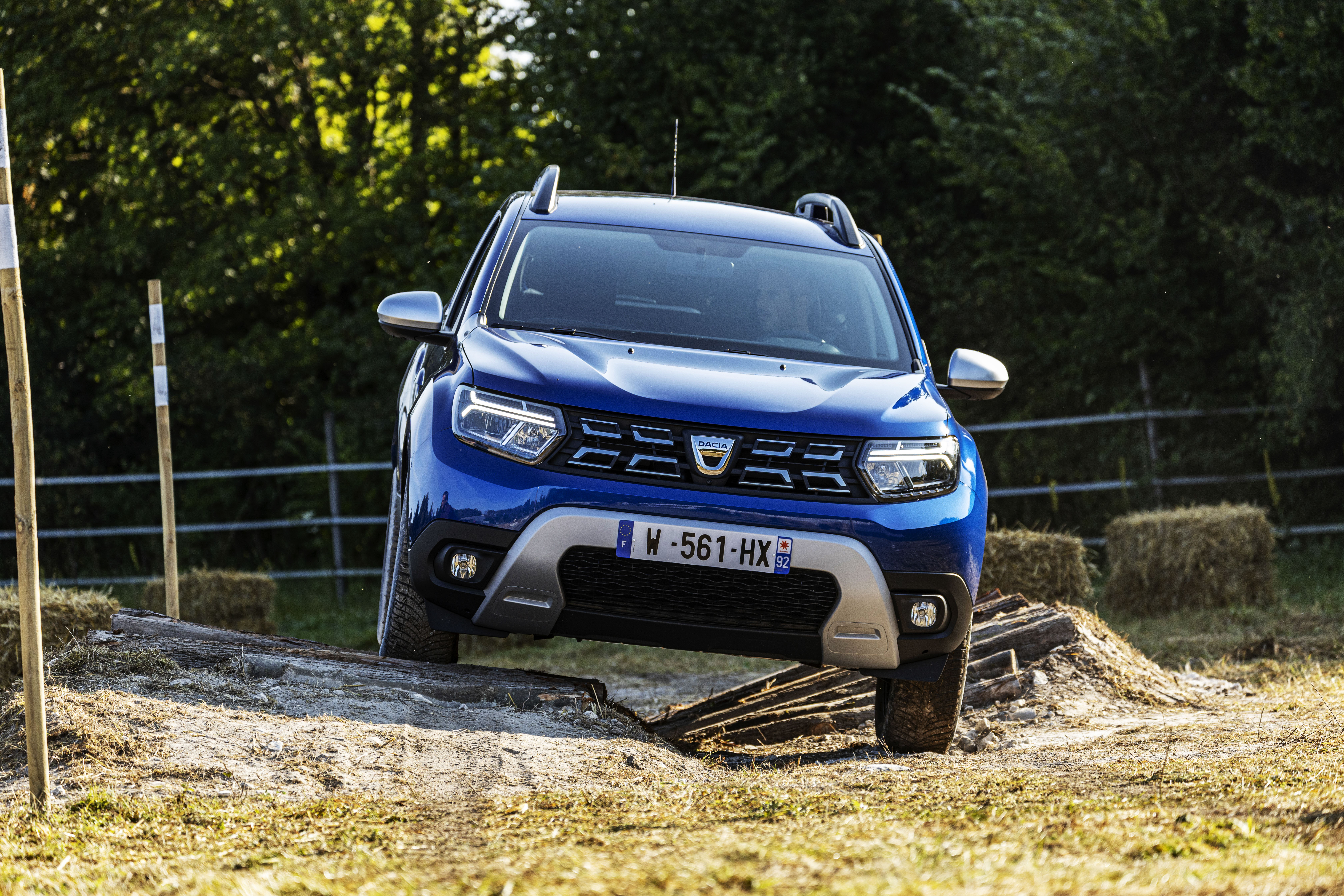 2021 - New Dacia Duster 4X4 - Iron Blue tests drive (2)